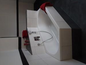 Sechseck-Badewanne mit Ablage
