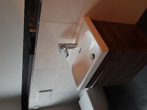 Handwaschbecken mit Waschtischunterschrank