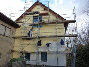 Malerarbeiten an der Fassade