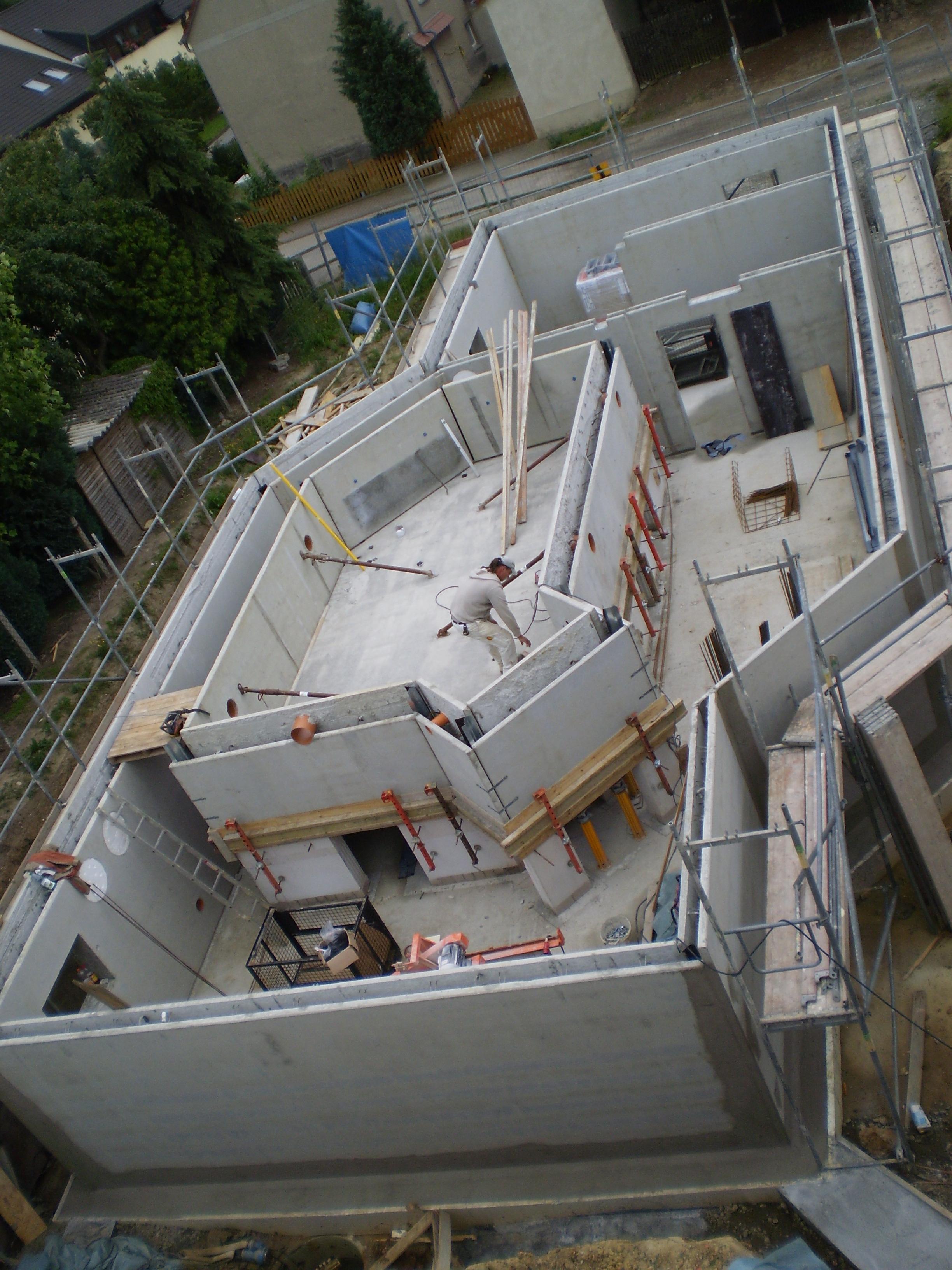 Filigranwände für Keller / Pool