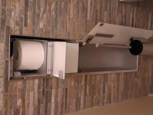 Einbaukasten Toilettengarnitur offen