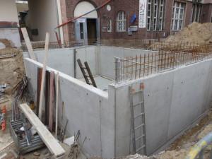 betonierte Wände mit Anschlussbewehrung