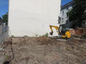 Suchschachtung nach evtl. noch vorhandenen Kellermauern
