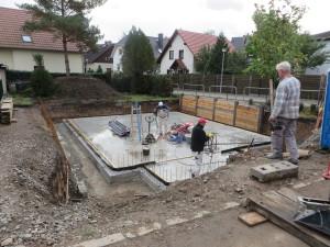 Bodenplatte als Teil der weißen Wanne für Keller