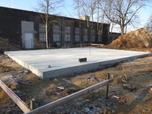 Bodenplatte betoniert und ausgeschalt