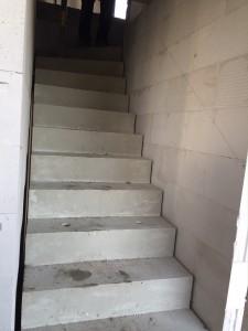 Fertigteil-Betontreppe ins Obergeschoss