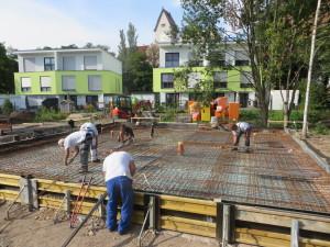 Bewehrungsarbeiten für die Bodenplatte