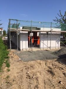 Mauerwerk Erdgeschoss / Dachdeckergerüst