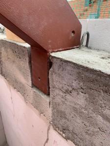 Stahlrahmen als Wechsel für Dachflächenfenster