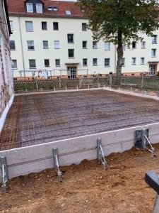 Schalung und Bewehrung Bodenplatte Anbau