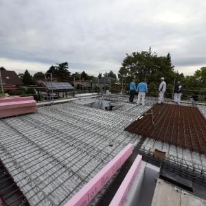Schalungs- und Bewehrungsarbeiten für Decke über Erdgeschoss