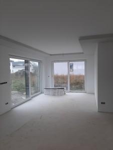 Malerarbeiten im Wohn-Essbereich fertiggestellt