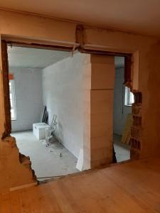 Herstellen der Durchbrüche zwischen Alt- und Neubau