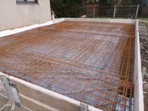 Schalung, Bewehrung der oberen Bodenplatte, Trennung zum Bestand mit Dämmplatten