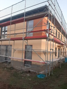 zweifarbiger Fassadenanstrich