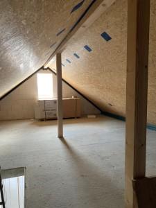 fertiggestellte Dämmung im Spitzboden