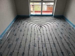 Verlegung der Fußbodenheizung