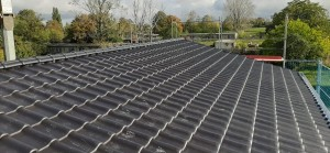 Dacheindeckung mit engobierten Tondachziegeln