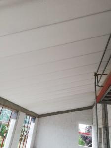 Ringanker und massive Dachplatten - Innenansicht