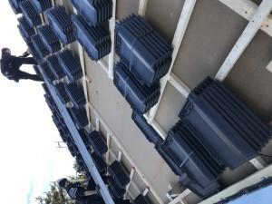 Dachlattung fertig gestellt / Beginn Dachdeckerarbeiten